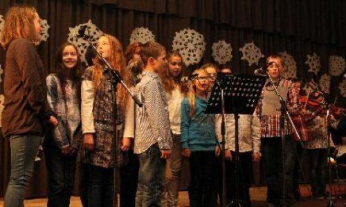 Šv. Kalėdų šventė Vasario 16-osios gimnazijoje