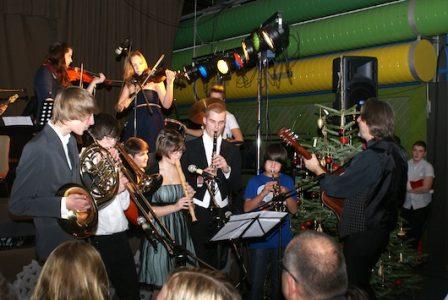 Tradition und Moderne bei der Weihnachtsfeier des Litauischen Gymnasiums