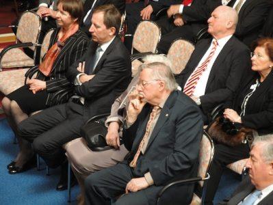 Gimnazistai susitikime su profesoriumi Vytautu Landsbergiu