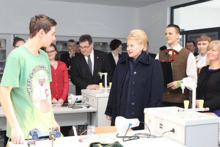 Lietuvos Respublikos Prezidentės Dalios Grybauskaitės vizitas Vasario 16-osios gimnazijoje