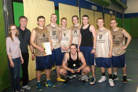 Vasario 16-osios taurę laimėjo Gimnazijos krepšinio komanda!