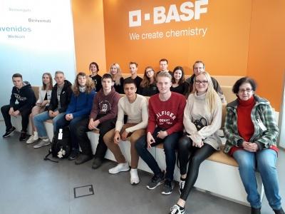 Chemie und PoWi – Kurs – fächerübergreifend: BASF Werkstour am 30.11.2017