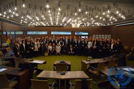 Gimnazistai Jungtinių Tautų Organizacijos darbo simuliacijoje atskleidė komandinio darbo gebėjimus
