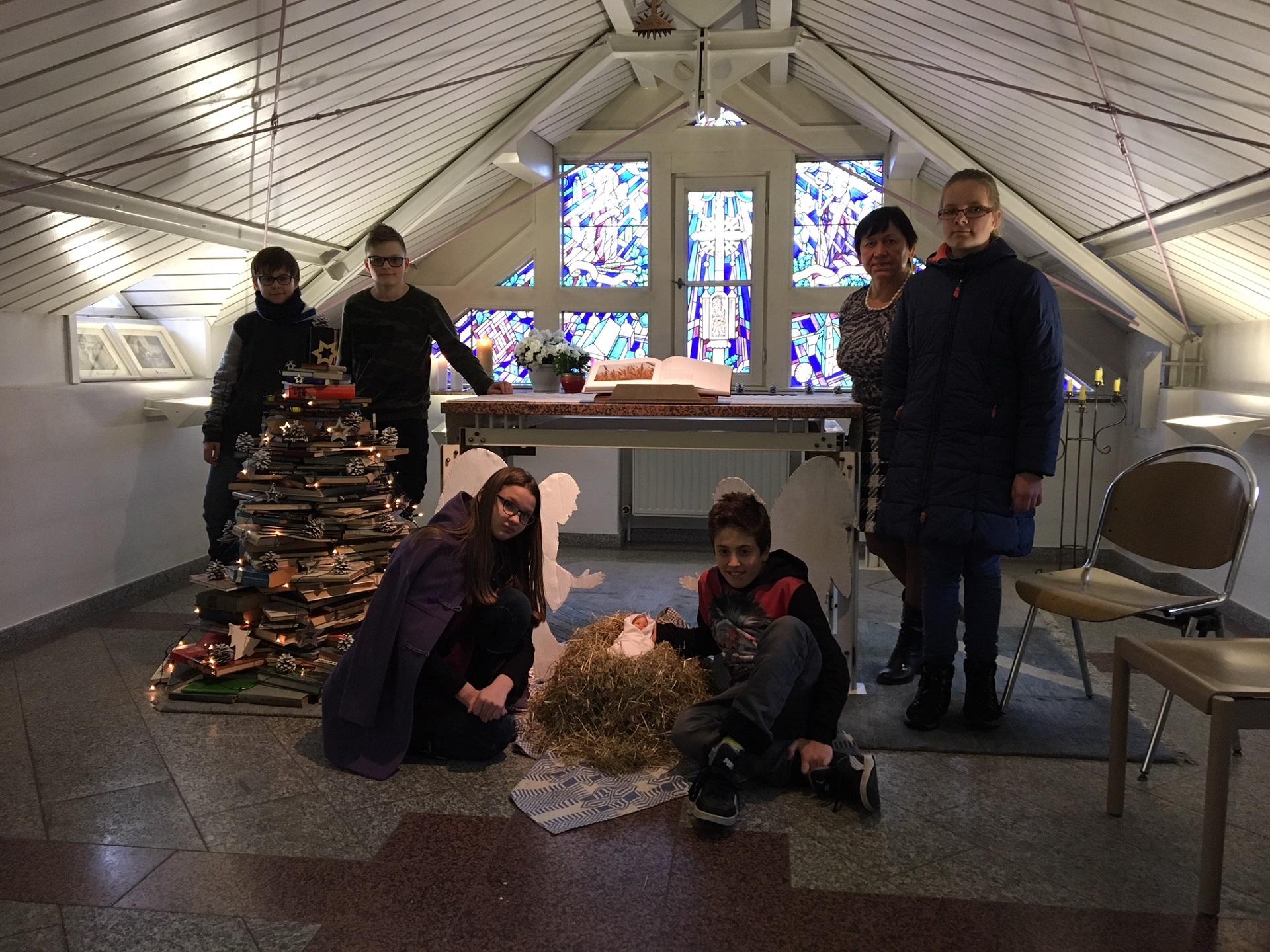 Knygos ir skaitymui, ir Šv. Kalėdų džiaugsmui skleisti