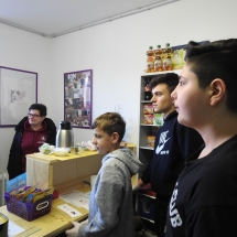 Mokyklos kioskelio atidarymas – mokiniai dirba mokiniams (Foto: Dr.G.Hoffmann)