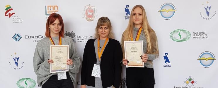 Mūsų gimnazistės – Lietuvių kalbos ir literatūros olimpiados nugalėtojos!