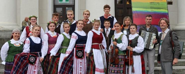 Gimnazijos atstovai Lietuvos šimtmečio Dainų šventėje, 2018