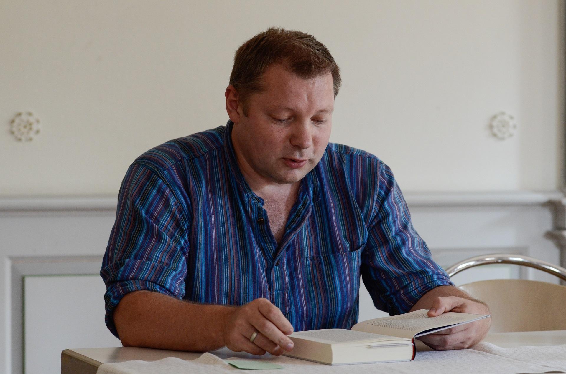 Susitikimas su rašytoju Rimantu Kmita (Foto: J. Gečas)