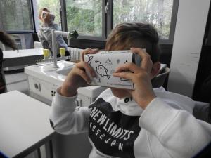 Mit der Virtuellen Brille rund um die Welt! (Foto: Dr. G. Hoffmann)