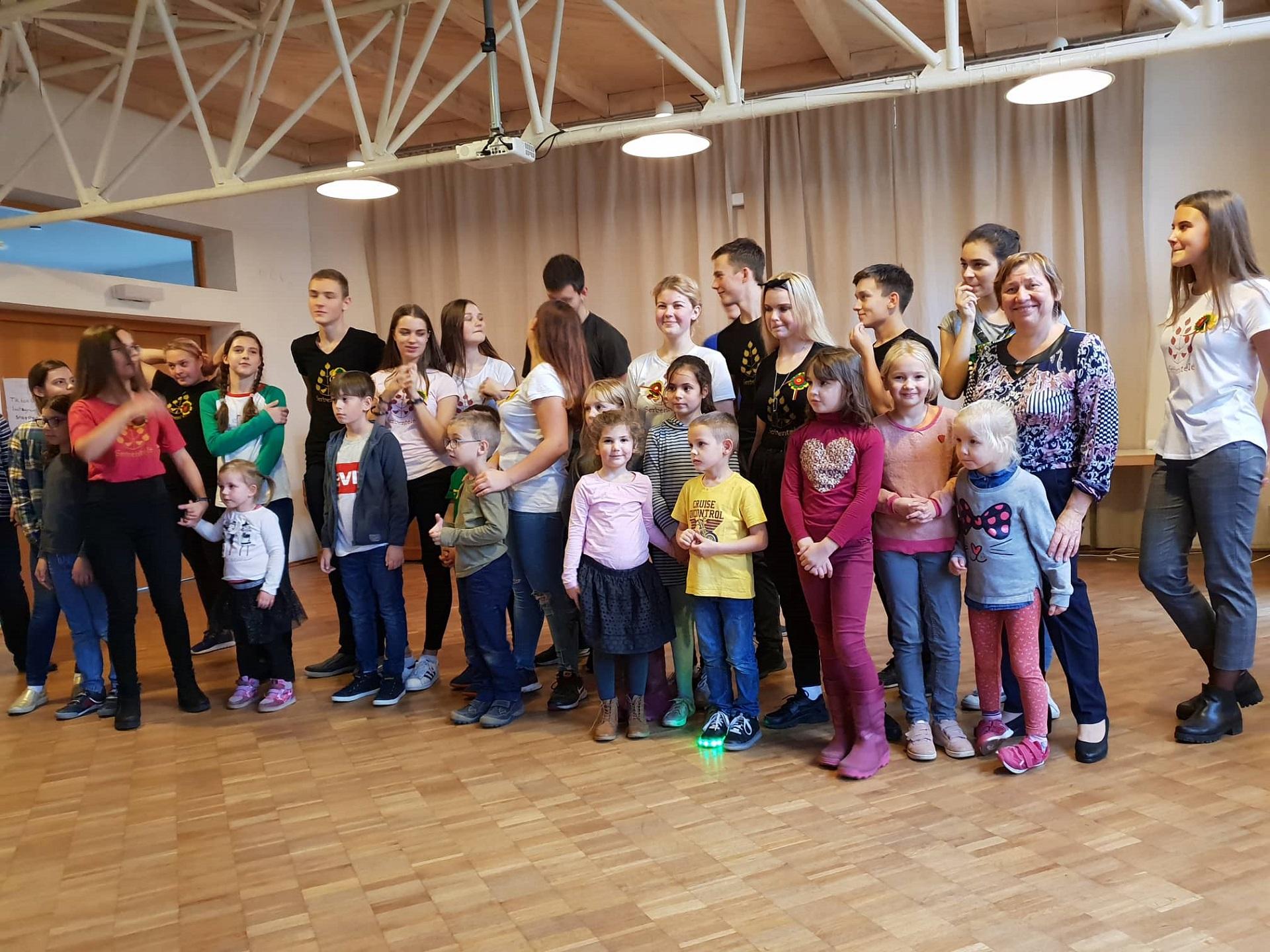 Folkloreensemble aus Litauen besucht unser Gymnasium