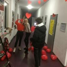 Valentinas neaplenkė ir Vasario 16-osios gimnazijos (Foto: F. Nader)