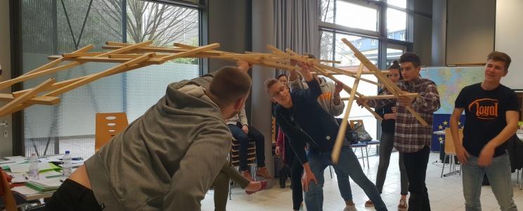 """Europos jaunimą vienijantis renginys """"Mokyklų tiltas"""""""