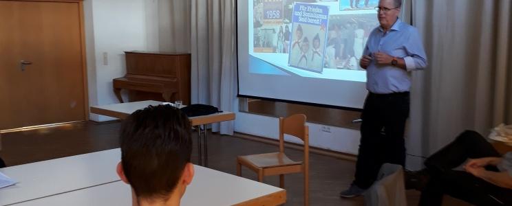 Alles nur Geschichte(n)? — Leben im doppelten Deutschland – Schülerseminar mit Zeitzeugengespräch