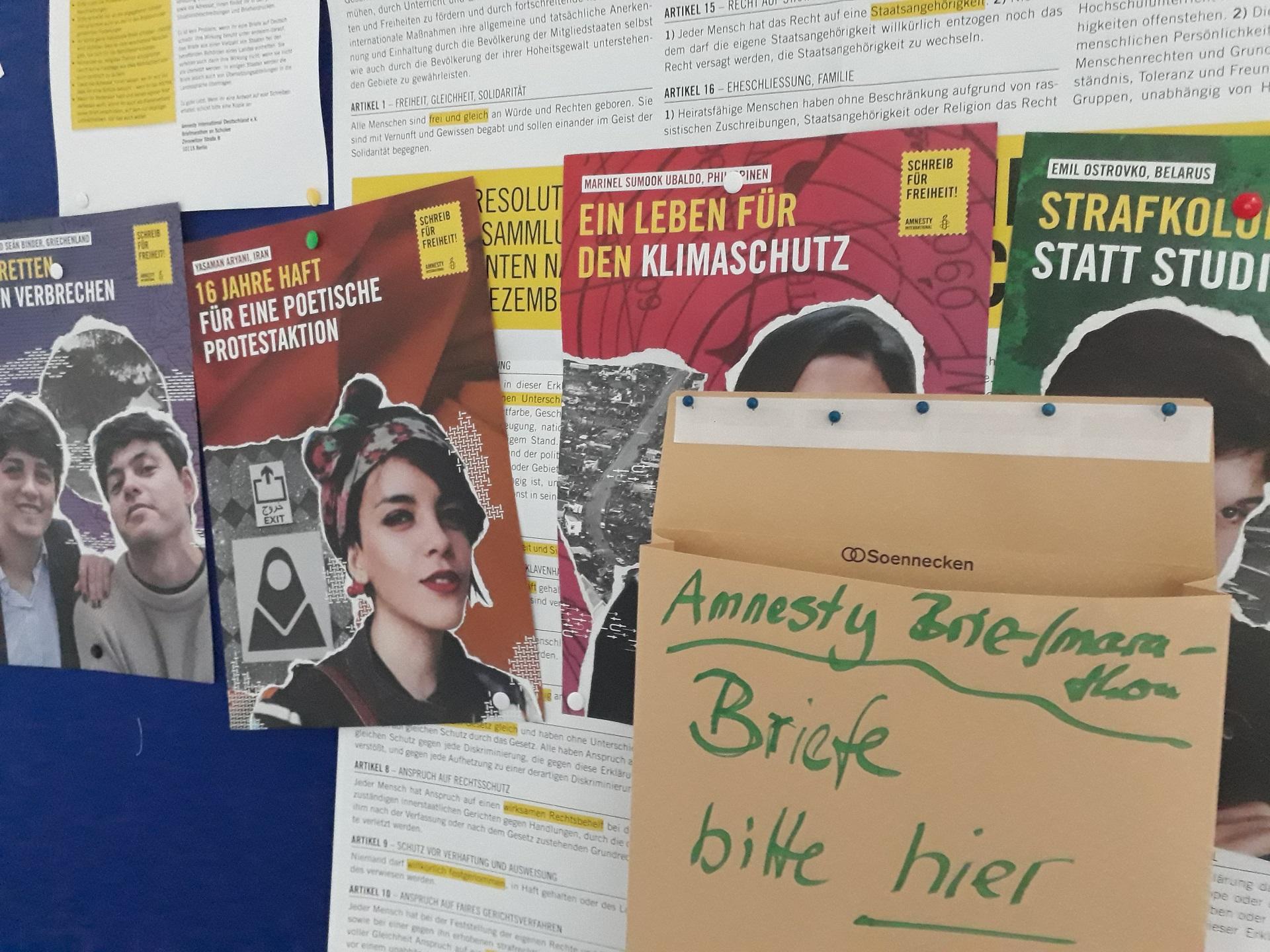 """Aktionswoche """"Schreib für Freiheit! – Briefmarathon von Amnesty International rund um den Tag der Menschenrechte (Foto: Dr. G. Hoffmann)"""