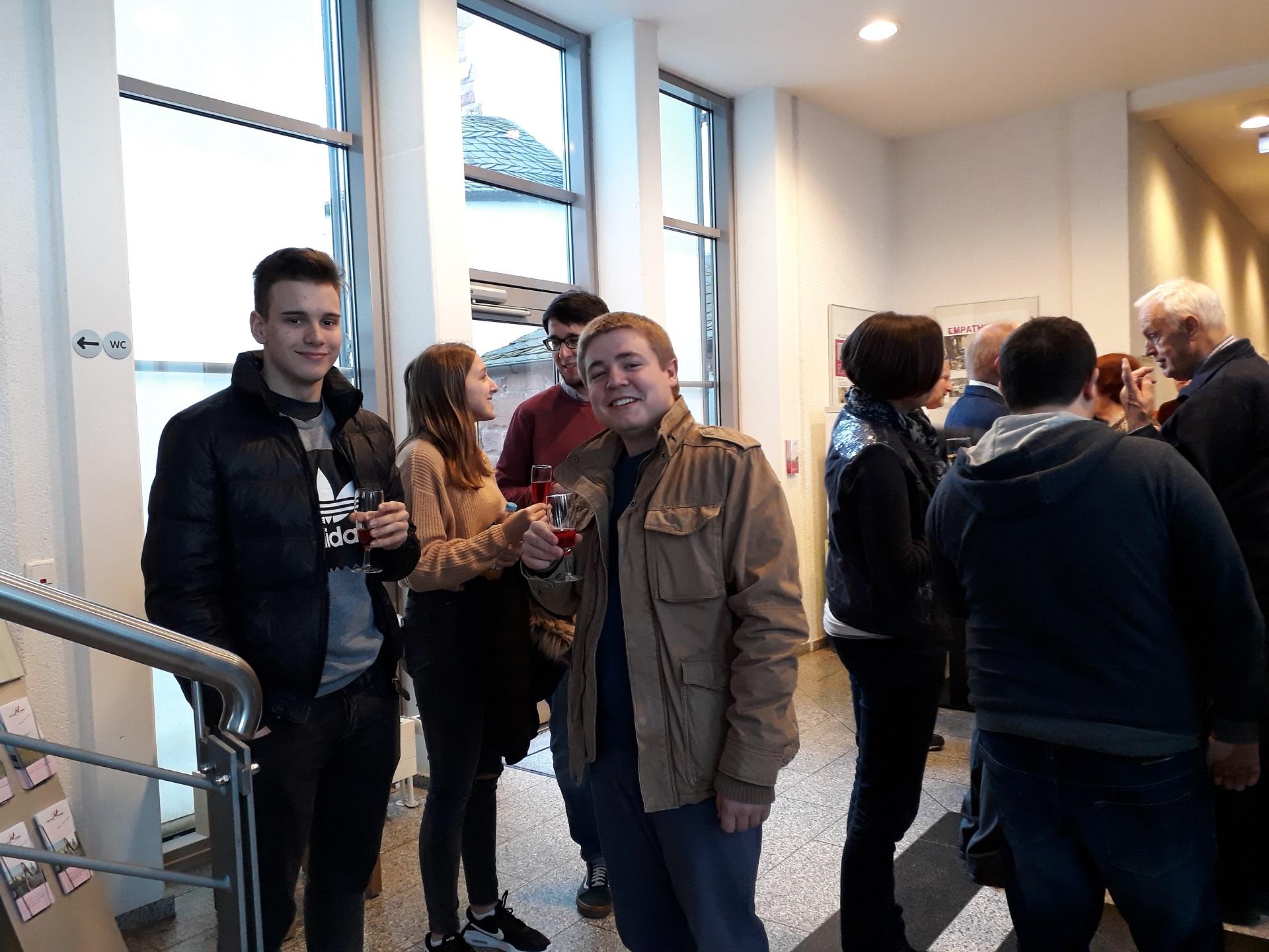"""""""Europa jetzt"""" –generationenübergreifende Diskussion im Haus am Maiberg (Foto: Dr. G. Hoffmann)"""