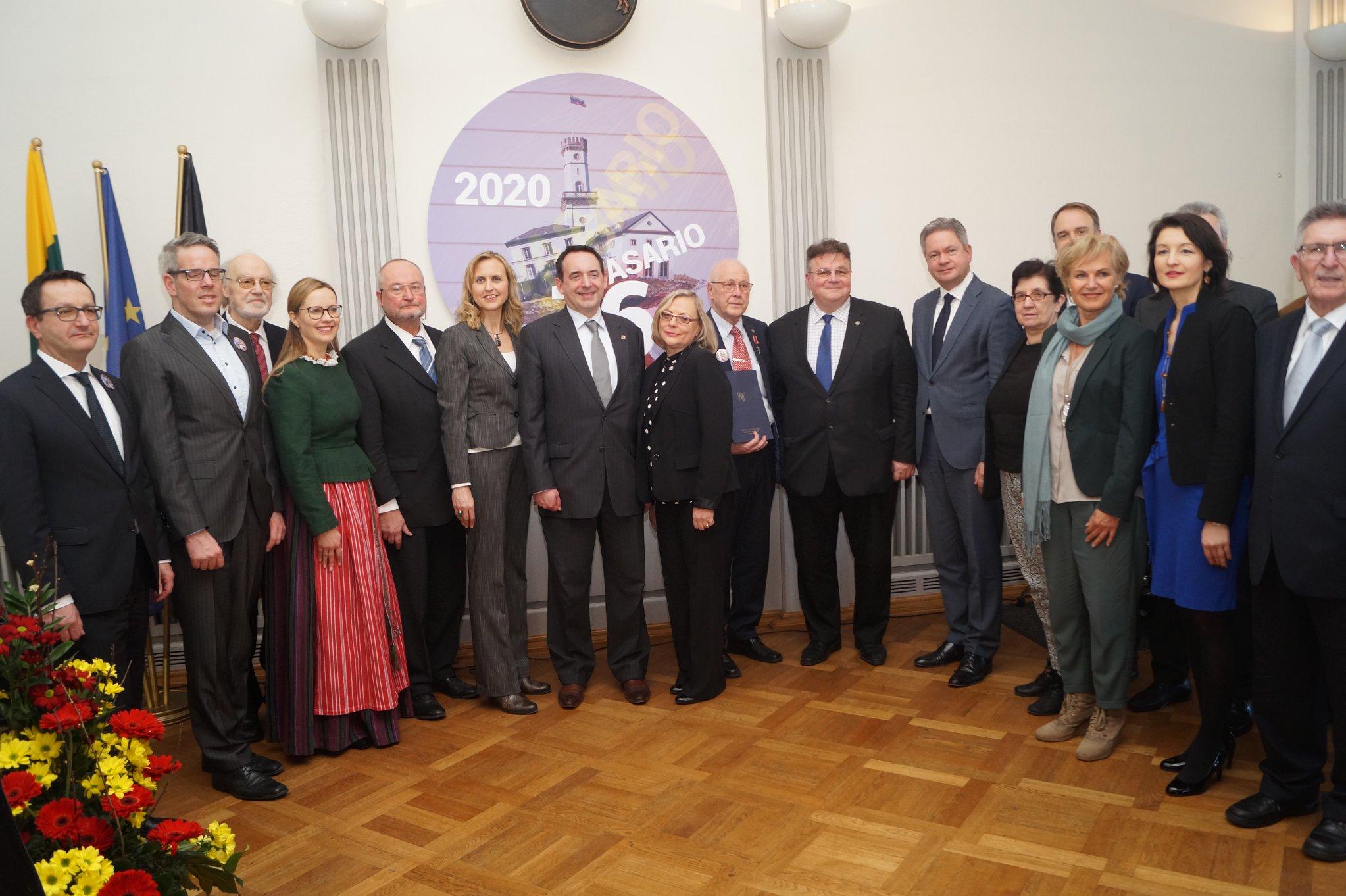 Švenčiame Lietuvos valstybės atkūrimo dieną ir gimnazijos jubiliejų