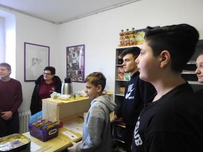 Mokyklos kioskelio atidarymas – mokiniai dirba mokiniams