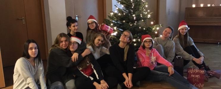 Bendrabutyje Kalėdų belaukiant
