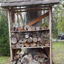 So sah das Wildbienenhotel noch am 11. April aus, tags danach war keine Zeit mehr für ein Foto, aber schaut mal selbst, was da noch entstanden ist! (Foto: Dr. A. Weber)
