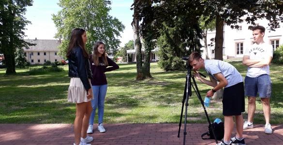 """Video eingereicht – Filmwettbewerb des Hessischen Rundfunks """"Meine Ausbildung – Du führst Regie"""""""